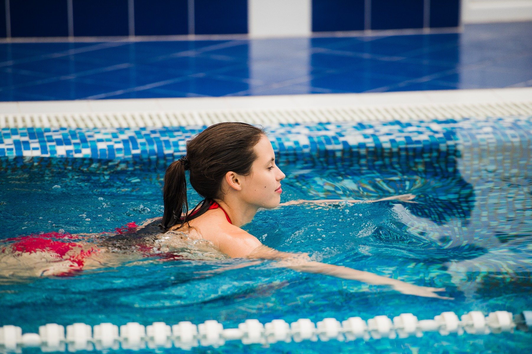 A great way to prioritise your pelvic floor is through swimming. The anti-gravity sensation will help to reduce pressure on your pelvic floor, aiding a speedy recovery.